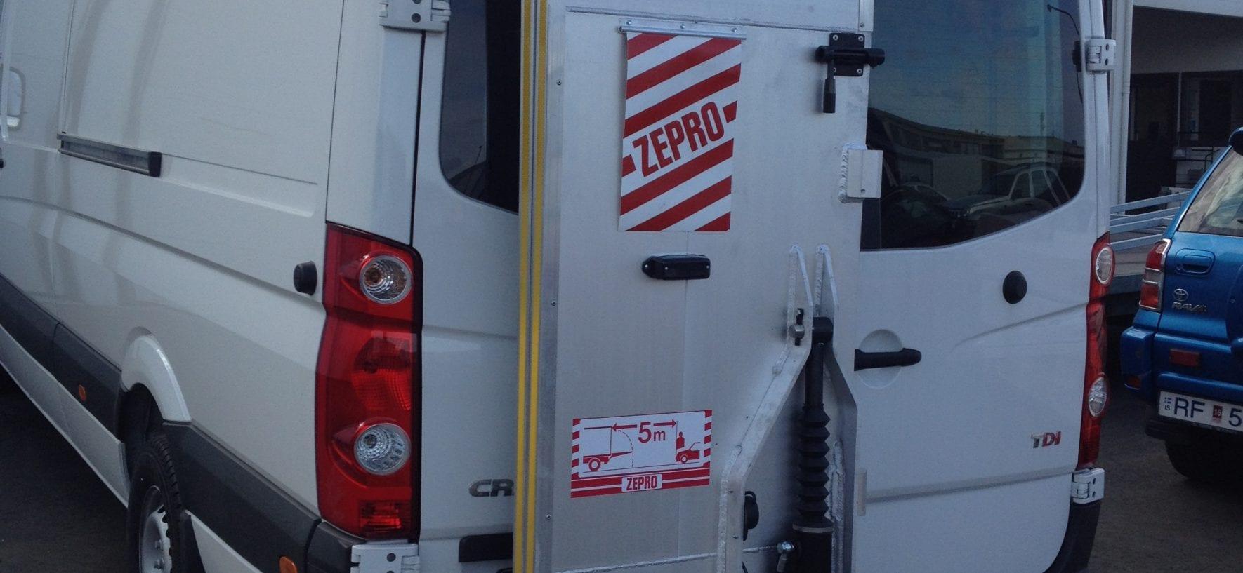 Zepro lyfta á Bens Sprinter